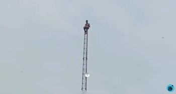 Troubled man spotted on a telecommunications mast in Lagos